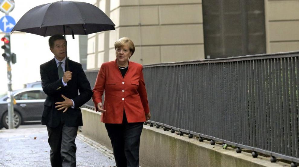 Меркел и съпругът й гласуваха на изборите (СНИМКИ)