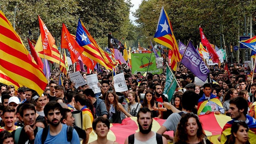 Испания праща армията в Каталуния