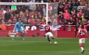 Изящна асистенция на Санчес и Арсенал дръпна с 2:0