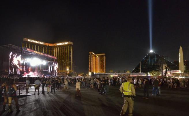 Десетки жертви и стотици ранени след стрелба на концерт в Лас Вегас