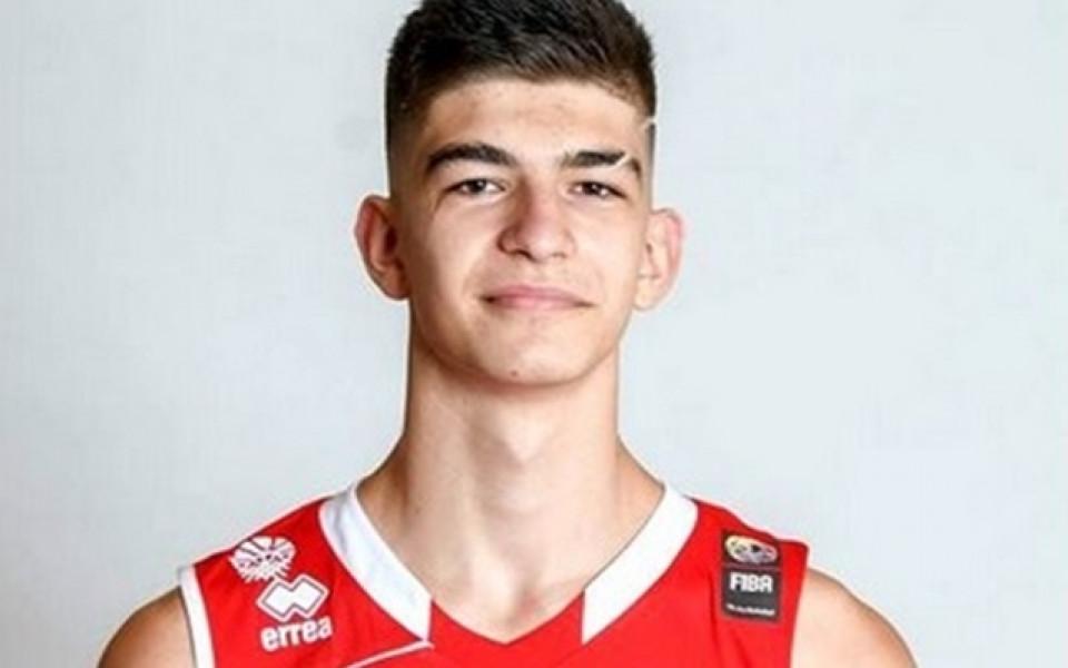 16-годишен българин дебютира при мъжете в Испания