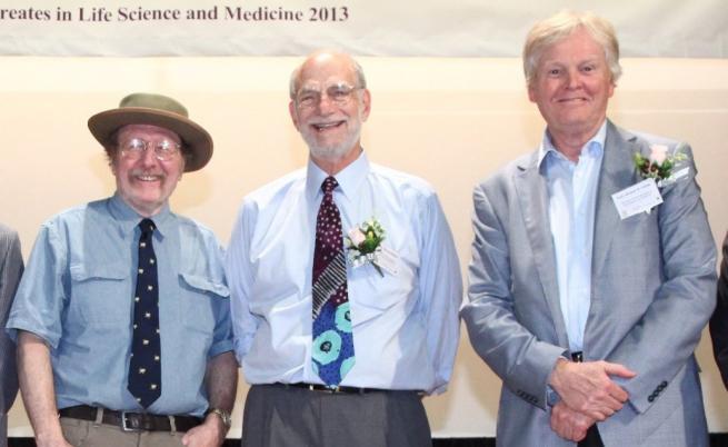 Отдясно-наляво Хол, Розбаш и Йънг през 2013
