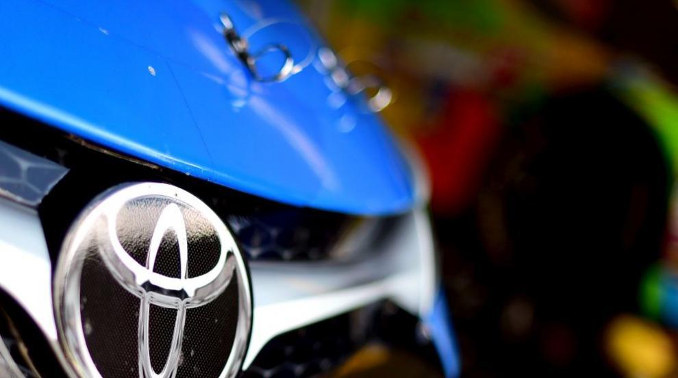 """През 2025 г. """"Тойота"""" спира колите с бензинови и дизелови двигатели"""
