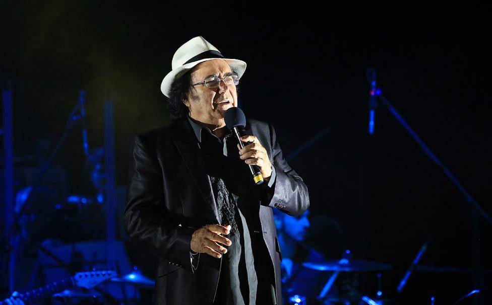 - Италианският певец Ал Бано с новия си спектакъл в НДК. Той излезе на сцената с виртуозите от Софийска филхармония, И представи всичките си големи...