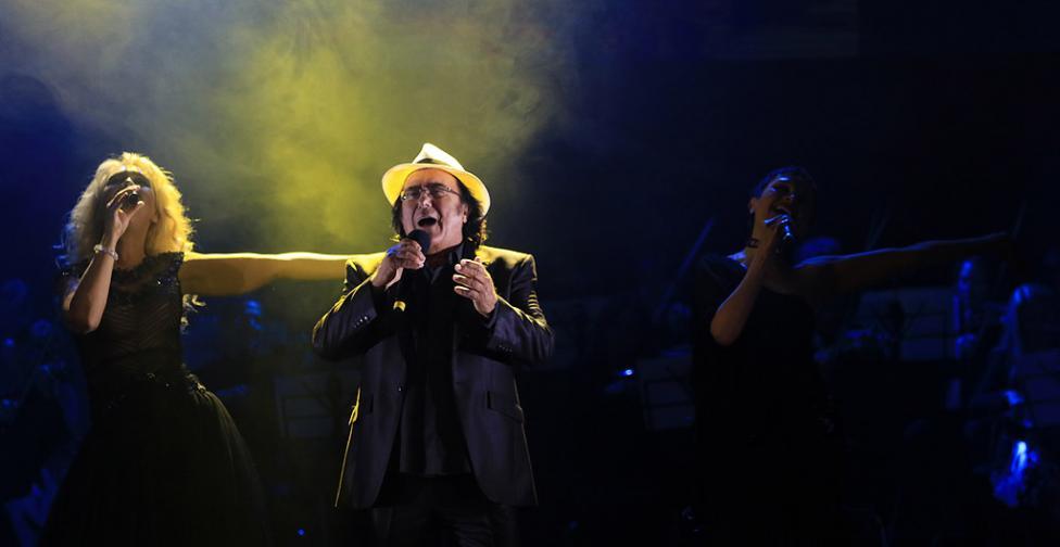 Сн. 17  - Италианският певец Ал Бано с новия си спектакъл в НДК. Той излезе на сцената с виртуозите от Софийска филхармония, И представи всичките си големи...