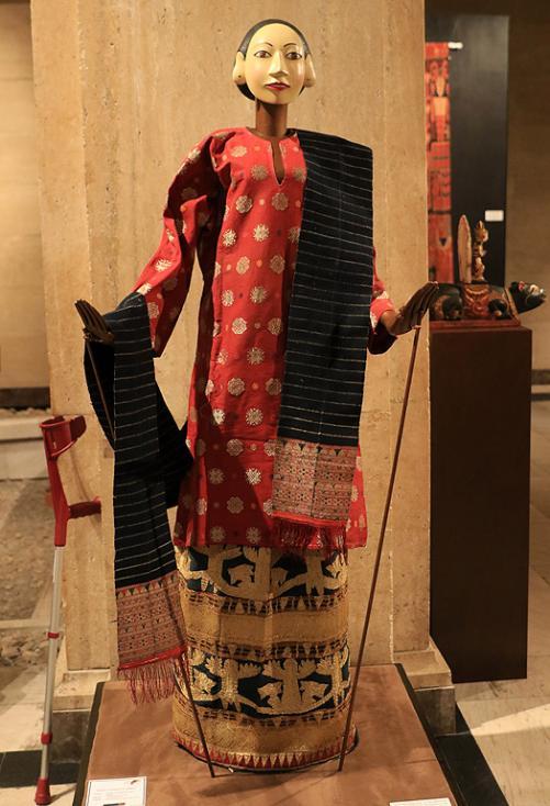 Сн. 8  - Фестивалът е организиран от посолството на Република Индонезия в партньорство с българската Национална галерия и запознава за първи път жителите и...