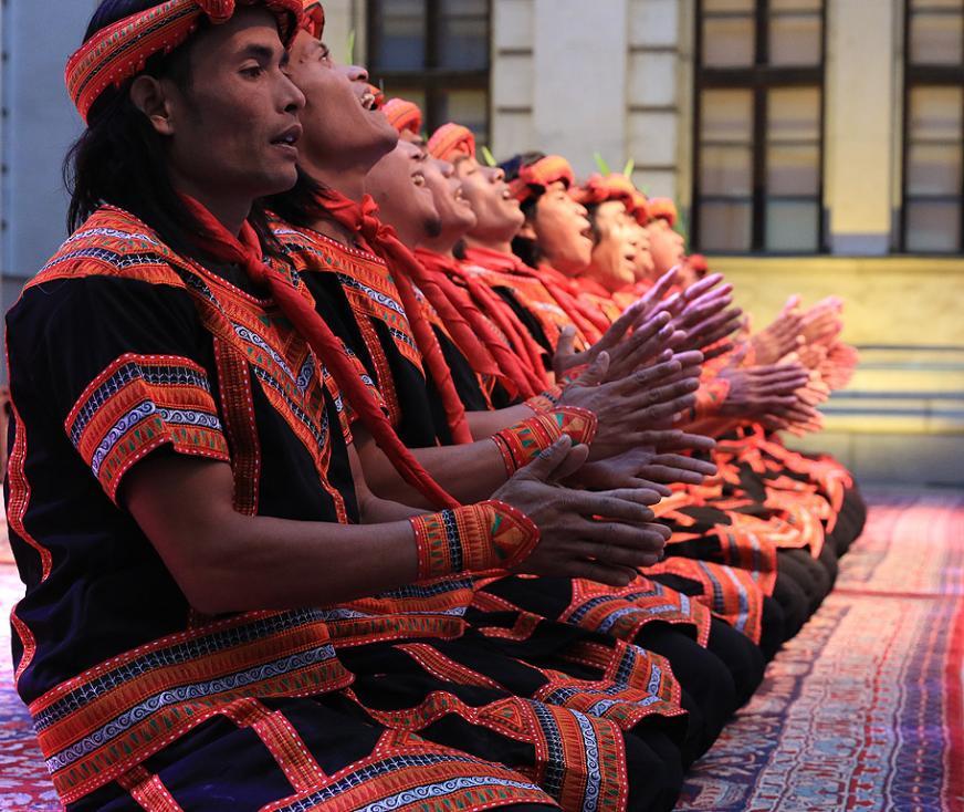 Сн. 8  - Официалното откриване на фестивала на 6 октомври 2017 г. в Квадрат 500 за подбрана публика от официални лица, партньори и приятели на посолството в...