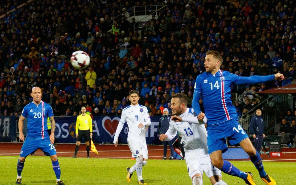 Катар измъкна реми срещу Исландия след късен гол