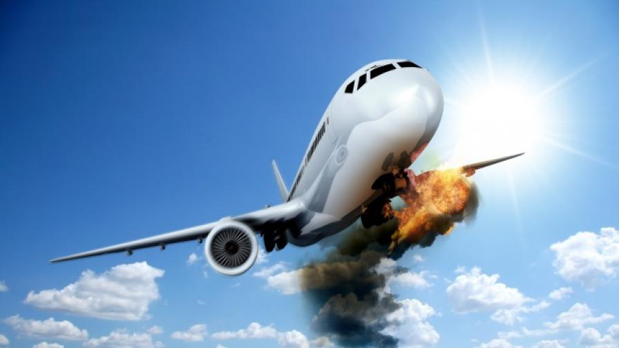 Оцелели по чудо жени след самолетни катастрофи