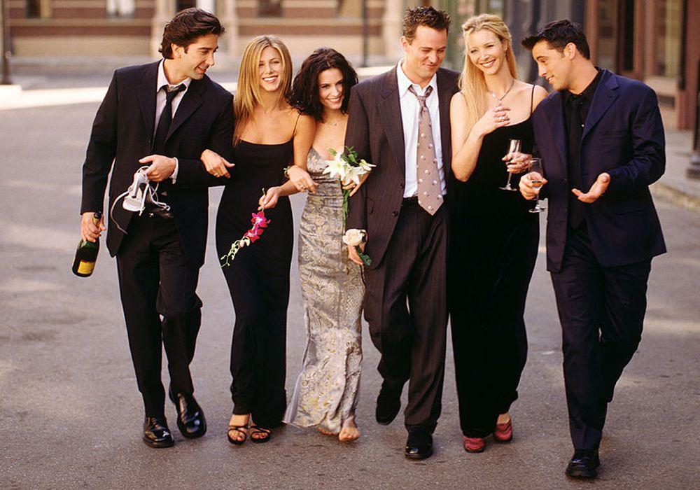 """""""Приятели"""" (Friends) със сигурност е един от най-обичаните и гледани телевизионни сериали  за времето си. Предлагаме ви да видите как изглеждат днес любимите ни актьори"""