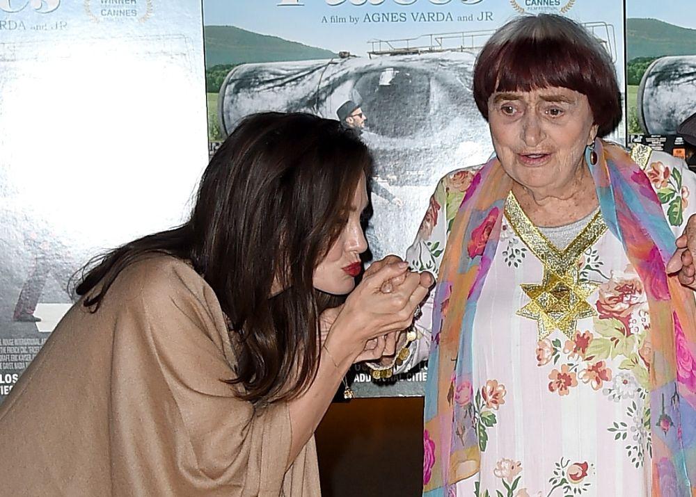 """Анджелина Джоли по време на премиерата на филма """"Faces Places""""."""