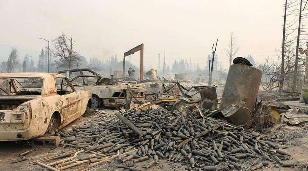 42 са жертвите на пожарите в Калифорния, десетки са в неизвестност