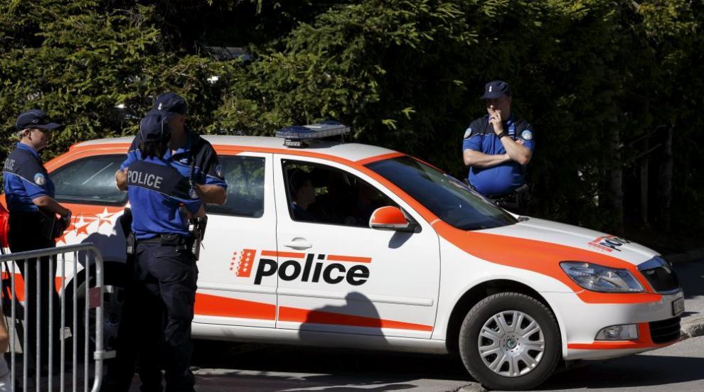 Тийнейджър нападна с брадва хора в швейцарски град