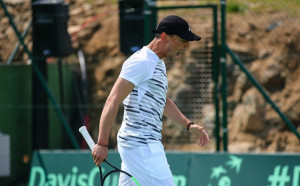 Мико Кузманов с победа в първия си мач за 2018-а