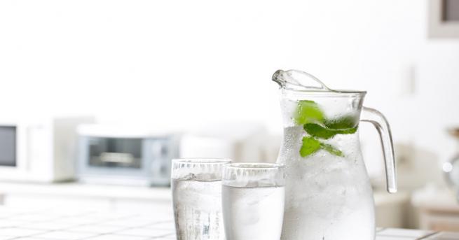 Все ви подсещаме, че трябва да се пие достатъчно вода.Особено
