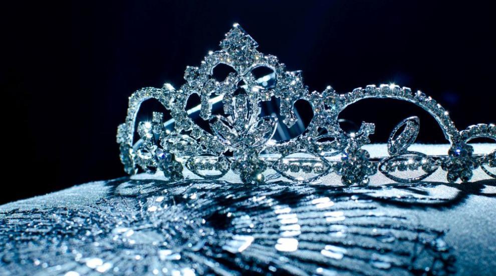 """Най-ярките красавици, които са носили короната на """"Мис Свят"""" през..."""