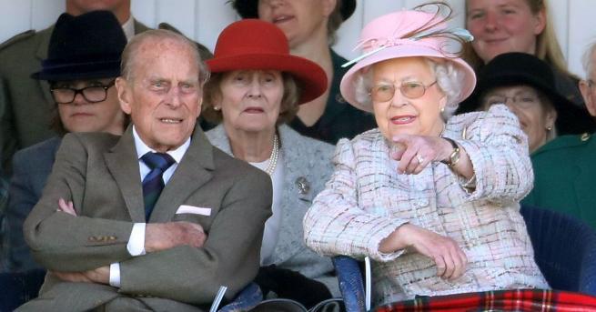 Британската кралица Елизабет Втора и съпругът ѝ принц Филип се