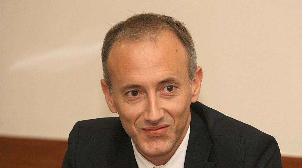 Министър Вълчев: Имаме ангажимента да увеличаваме инвестициите в...