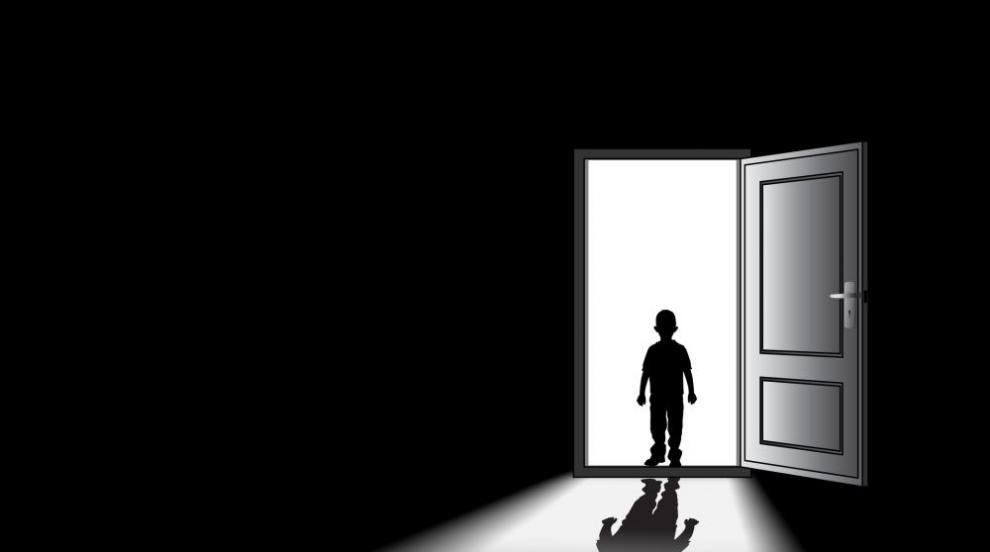 Американец твърди, че снима дете демон (СНИМКИ)