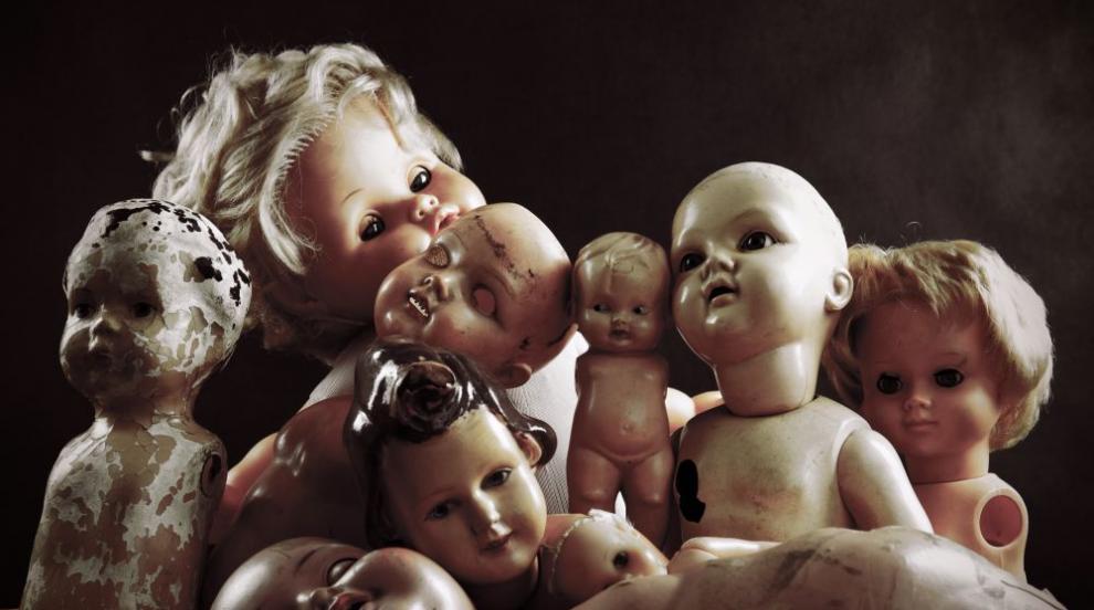 Проклятието на Анабел – най-зловещата кукла в света (СНИМКИ)