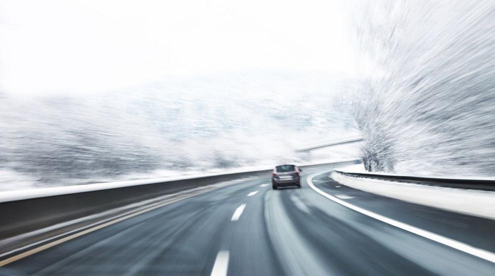 АПИ: Шофьорите да карат внимателно през уикенда, предстои застудяване