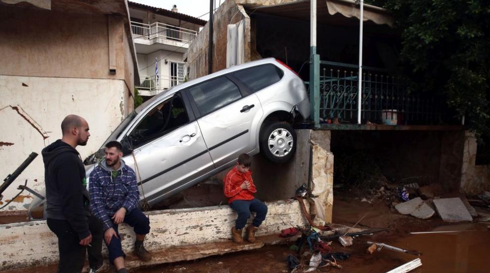 След наводненията в Гърция: Жертвите вече са 19