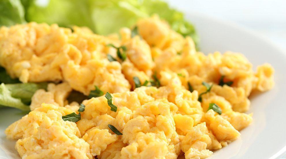 Пържени яйца със зеленчуци и още от най-полезните храни през зимата