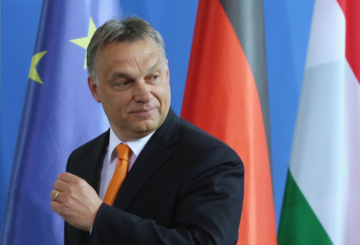 Витор Орбан е завършил право в университета в Будапеща