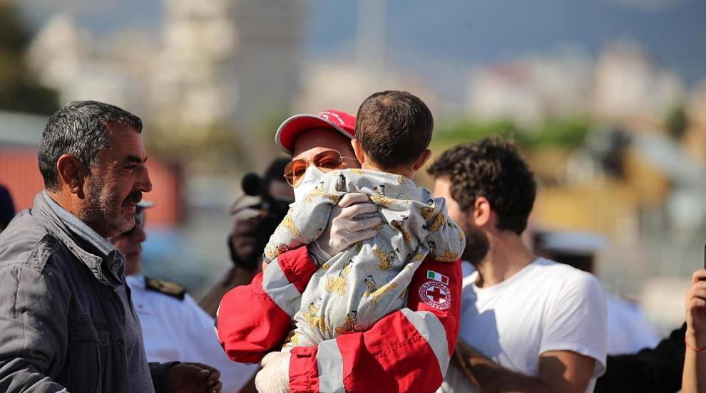 Италиански депутат: Не мигрантите, а корумпираните политици са проблемът