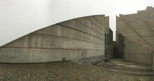 Снимка: Най-големият паметник в България става на 38 години: Интересни факти и история