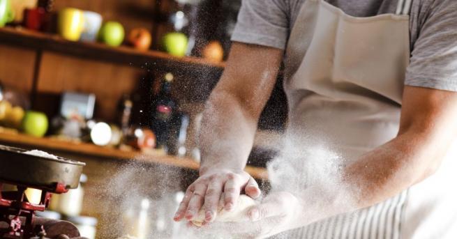 Търси се готвач за Антарктида Търси се готвач за Антарктида.