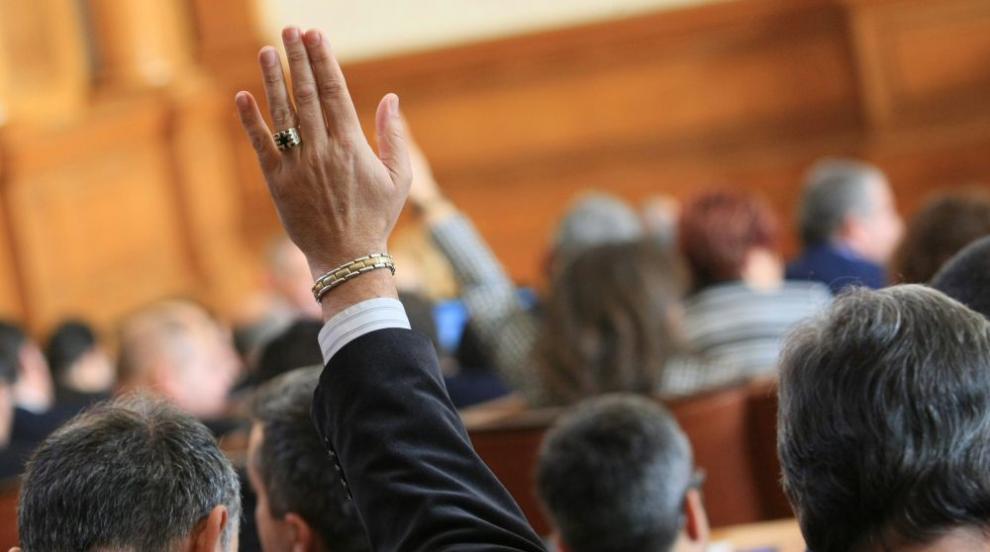 Народното събрание ратифицира договора за приятелство с Македония