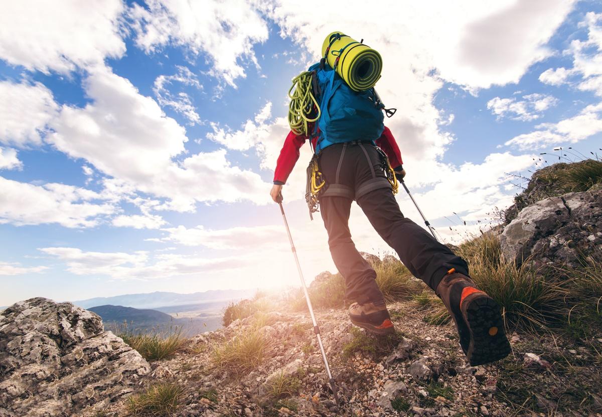 Катерене: 584 ккал/ч   728 ккал/ч<br /> Обикаляне с раница: 511 ккал/ч   637 ккал/ч<br /> Разходка в планината: 438 ккал/ч   546 ккал/ч