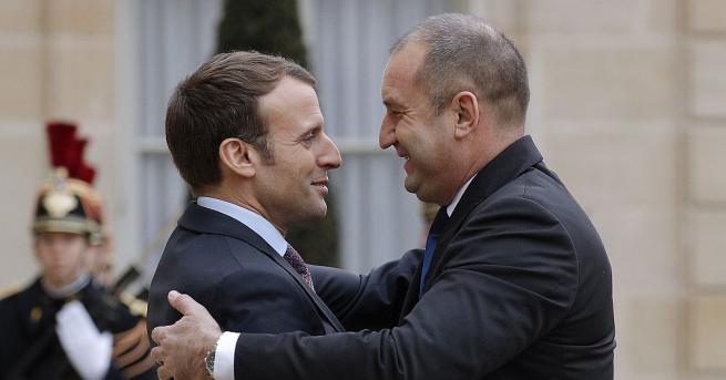 Президентът Румен Радев поздрави президента Еманюел Макрон по случай Националния