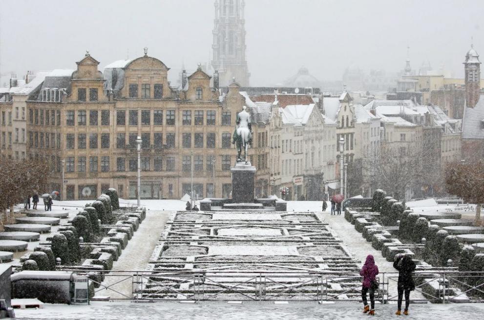 сняг Белгия