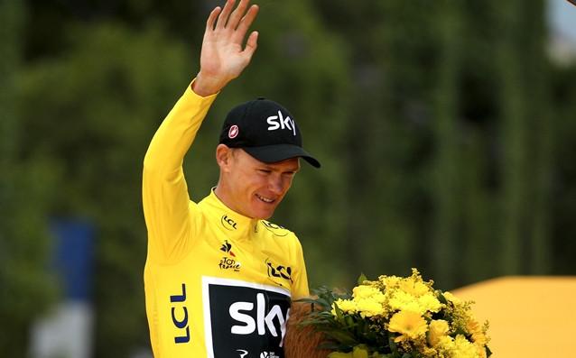 Международният колоездачен съюз (UCI) уведоми британския колоездач Крис Фрум, че