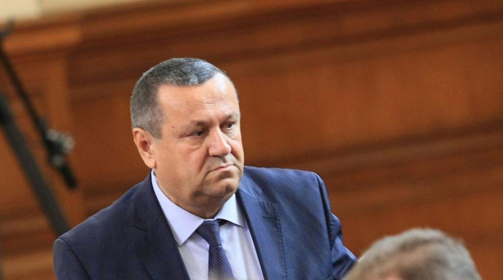 Депутатът Хасан Адемов е дал положителна проба за...