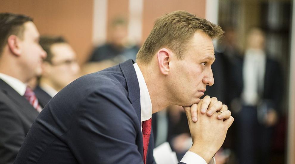 Навални благодари на пилотите и парамедиците,...