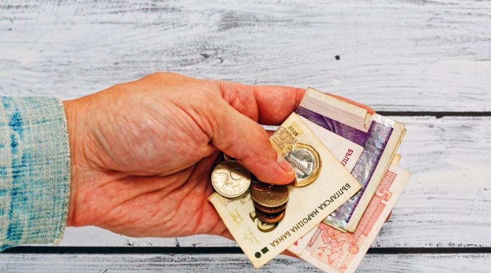 Измамници забогатяха с 10 300 лв. от старци в Хасково