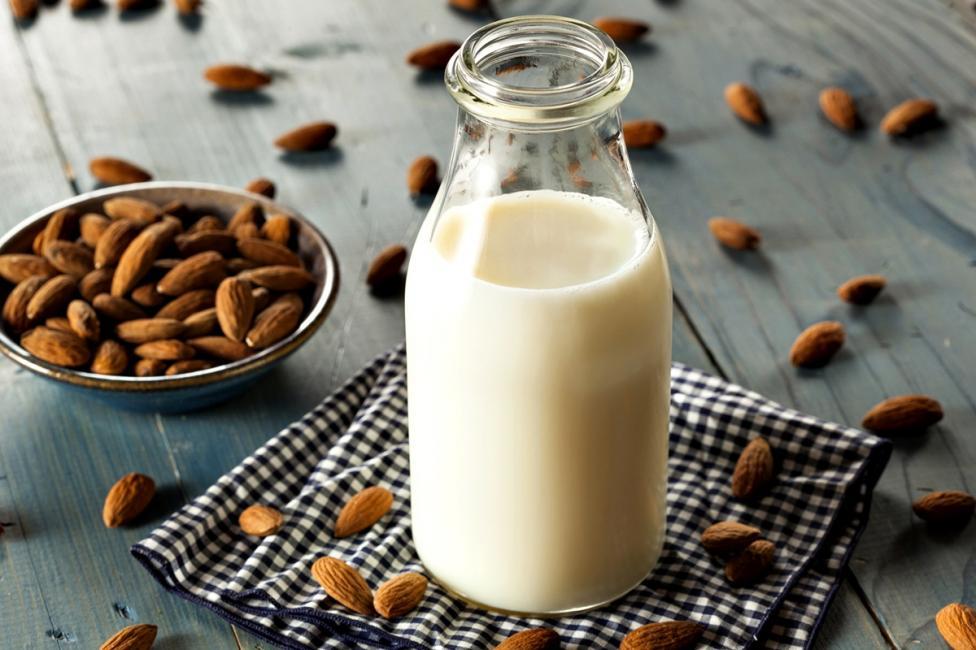 - Бадемово мляко Бадемовото мляко е една от здравословните тенденции през изминалите години. За жалост обаче то е на практика празно на хранителни...