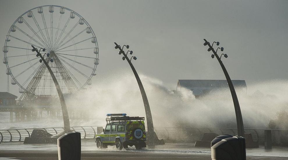 Жертва и пострадали при мощната буря, ударила части от Западна Европа...