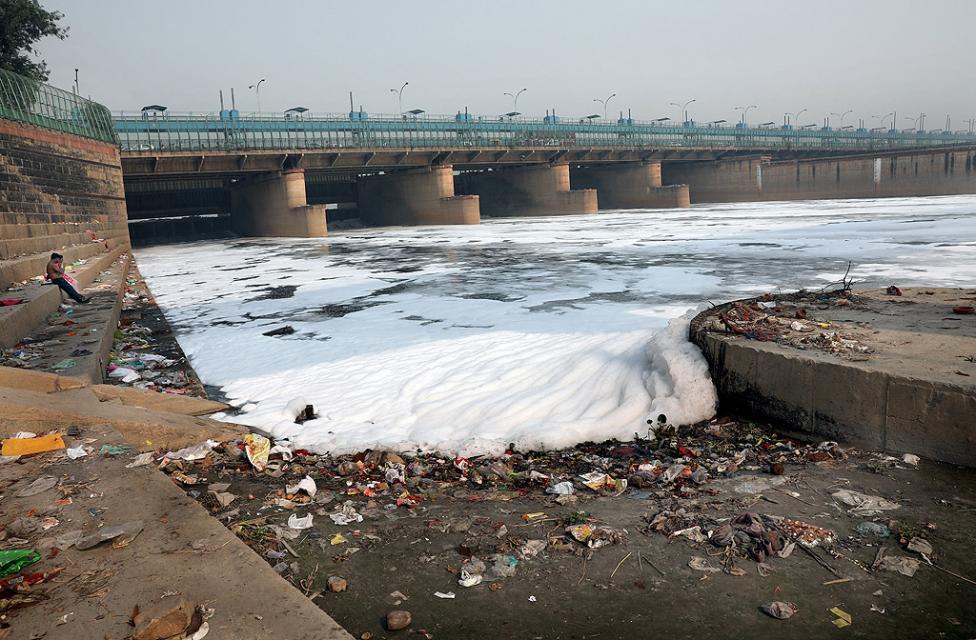 - Река Ямуна, както и всички други свети реки в Индия, е силно замърсена от десетилетия насам. Реката извира от ледниците в девствените и незамърсени...