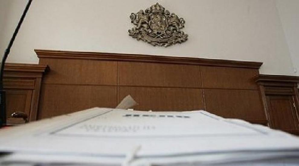 Прокуратурата обвини данъчен от София за корупция (ВИДЕО)