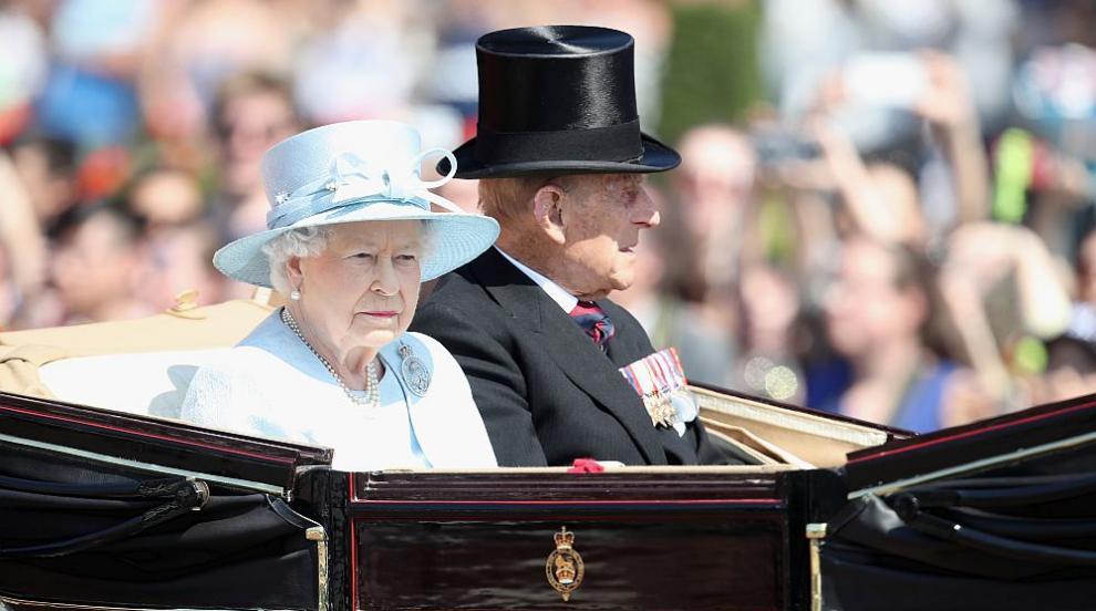 Елизабет II се оплака от ужасното пътуване с каляска при коронацията си