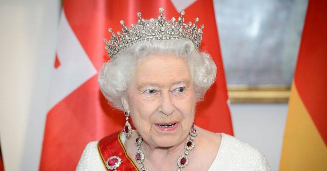Кралица Елизабет Втора даде официално съгласието си за брака на