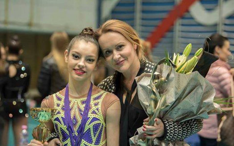 Йовчева с два златни и един бронзов медал от финалите при девойките