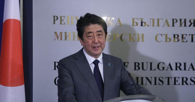 Премиерът Шиндзо Абе постави рекорд днес, като стана най-дълго управлявалия