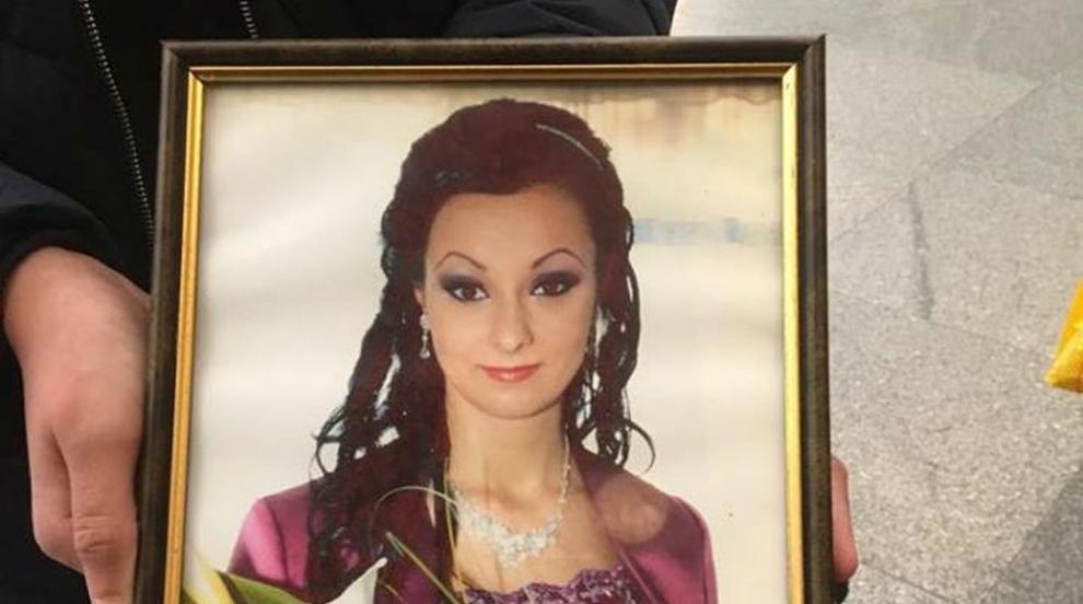 Майка на починала родилка се надява на ефективна присъда