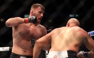 Стипе Миочич и Францис Нгану очи в очи преди UFC 220
