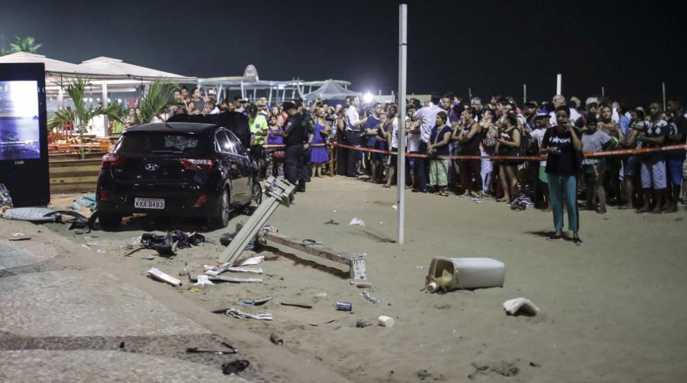 Кола блъсна пешеходци в Рио де Жанейро, загина бебе, 17 души са ранени